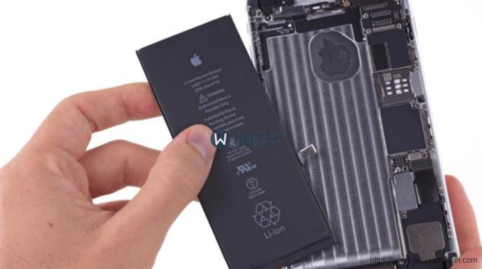 苹果直营店换电池流程大揭秘:214元换iPhone过保电池