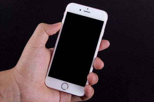 iPhone手机掉水里怎么办?福州苹果维修点告诉你手机进水的处理方法-手机维修网