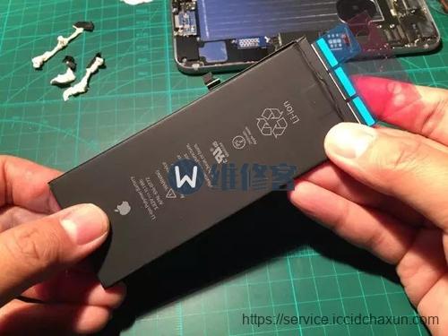 北京手机维修告诉大家iPhone8手机换电池多少钱_哪里能买到iphone8手机原装电池