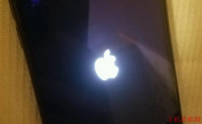上海苹果维修点教你升级iOS12 beta8出现白苹果解决方法!-手机维修网