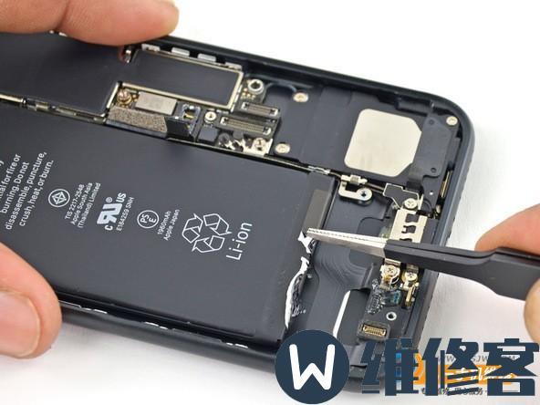 成都iPhone维修点讲解iPhone 7电池更换流程及注意事项