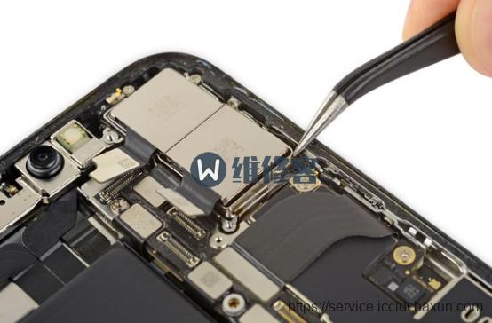 上海苹果iPhone XS Max手机换摄像头维修指南