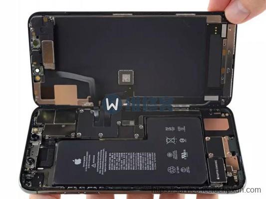 iPhone 11 Pro Max屏幕电池拆机详解及北京最新手机维修价格